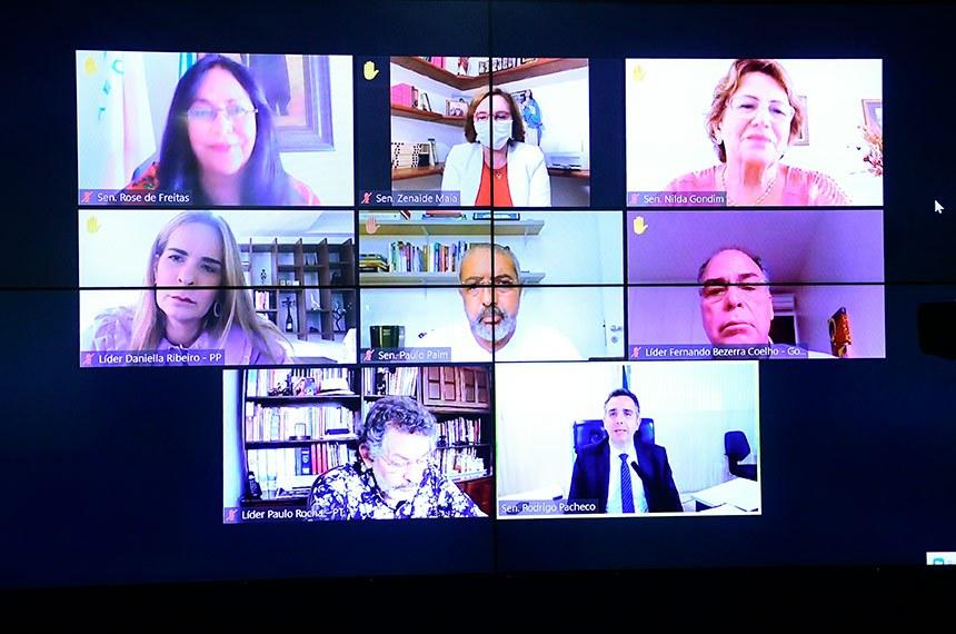 Sessão especial do Senado Federal, realizada a partir da sala de controle da Secretaria de Tecnologia da Informação (Prodasen), destinada a comemorar o Dia Internacional da Mulher e homenagear as mulheres chefes de família, as mulheres negras, as mulheres vítimas de violência doméstica durante a pandemia e as mulheres que atuam diretamente no combate à COVID-19.   Presidente do Senado Federal, senador Rodrigo Pacheco (DEM-MG), conduz sessão.   Participam videoconferência: senadora Rose de Freitas (MDB-ES); senadora Zenaide Maia (Pros-RN);  senadora Nilda Gondim (MDB-PB);  senadora Daniella Ribeiro (PP-PB); senador Paulo Paim (PT-RS);  senador Paulo Rocha (PT-PA).  Foto: Pedro França/Agência Senado