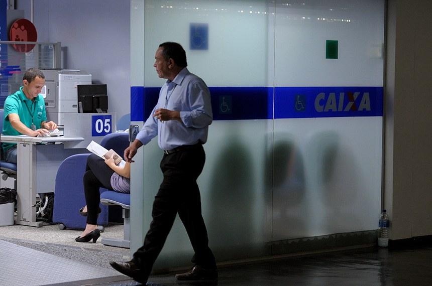 MP amplia margem de empréstimos consignados de 35% para 40% para aposentados e pensionistas do Instituto Nacional do Seguro Social (INSS) durante a pandemia