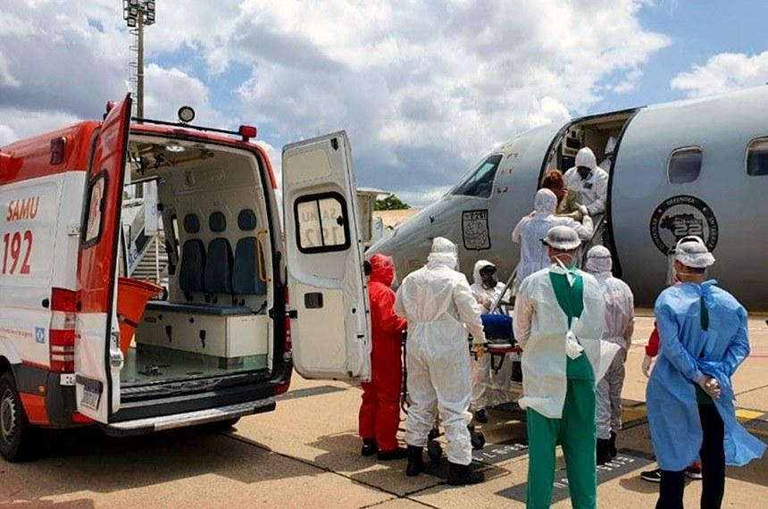FAB transporta pacientes, acompanhados por equipes de saúde, de Manaus para Teresina: correndo contra o tempo  Foto: Tenentes Padoan e Danton/Ala 8-Fotos Públicas