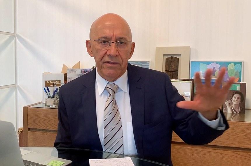 """Confúcio Moura, presidente da Comissão Temporária da Covid-19: """"Precisamos de um cronograma real e certo de vacinação"""""""