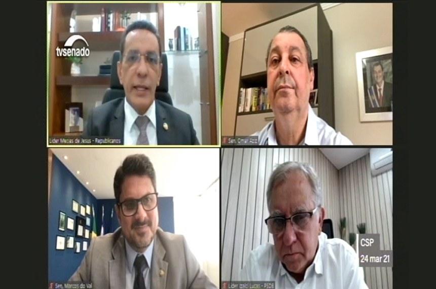 No sentido horário, Mecias de Jesus, Omar Aziz (presidente), Izalci Lucas e Marcos do Val (vice-presidente) na reunião do colegiado