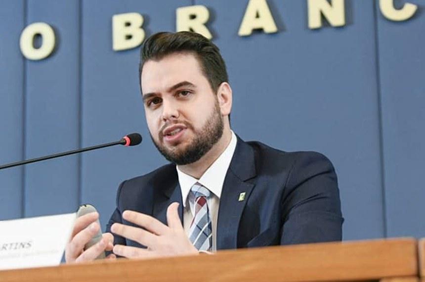 Filipe Martins, que é assessor da Presidência da República, teria feito gesto associado a supremacistas brancos durante audiência pública no Senado