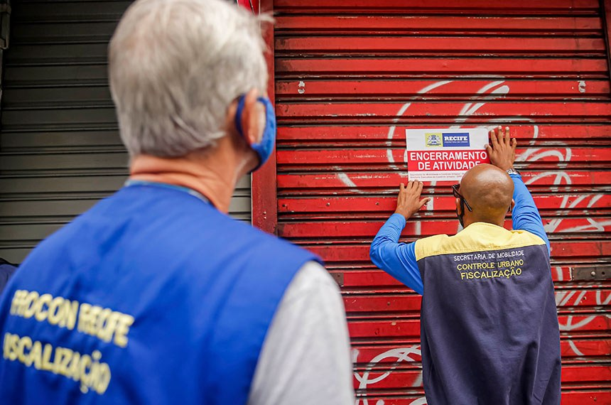 Início da quarentena rígida no Recife tem fiscalização em toda a cidade