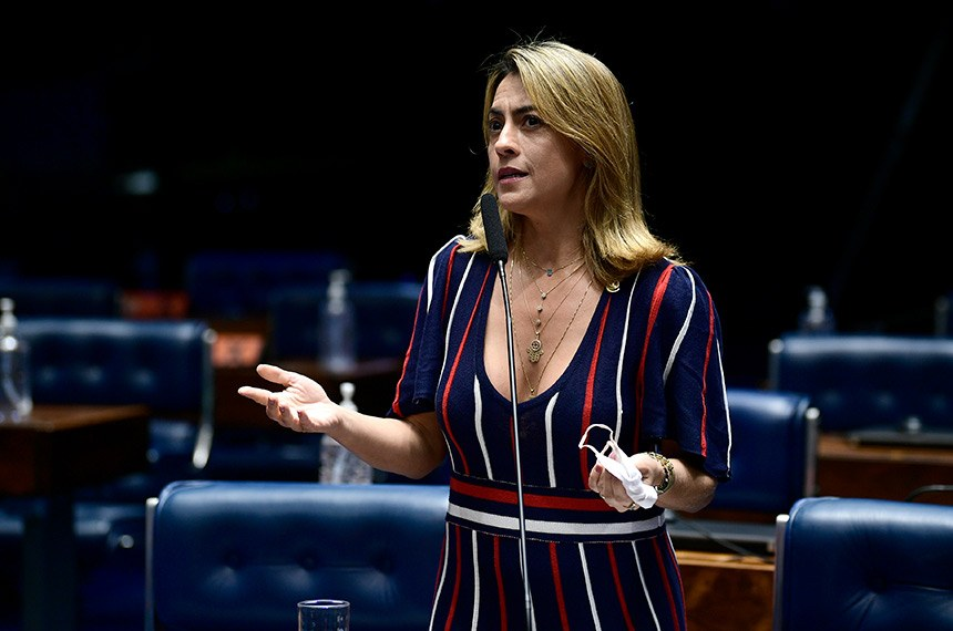 Plenário do Senado Federal durante sessão deliberativa ordinária semipresencial.  Na ordem do dia, o PLV 42/2020 (MP 998/2020) que remaneja recursos no setor elétrico para permitir redução de tarifas de energia. O PLV 42 também trata das ações das Indústrias Nucleares do Brasil (INB) e da Nuclebrás, que passam para a União. Senadores também analisam o PLV 43/2020, proveniente da MP 1.003/2020, que autoriza o Brasil a aderir ao Instrumento de Acesso Global de Vacinas Covid-19 - Covax Facility e estabelece diretrizes para imunização da população.  Em pronunciamento, à bancada, senadora Soraya Thronicke (PSL-MS).  Foto: Jefferson Rudy/Agência Senado