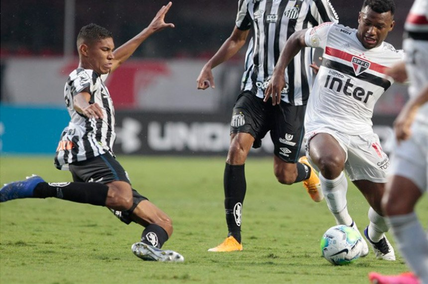 10.01.2021 Partida de futebol entre São Paulo x Santos, onde o Santos ganhou o jogo por 1x0.