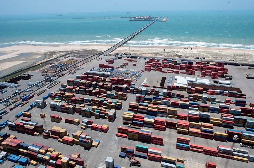 BIE - 09/10/2017 - O Porto do Pecém atingiu a marca de 2 milhões de placas de aço exportadas em 2017. O material produzido pela Companhia Siderúrgica do Pecém (CSP) é a principal carga de exportação em toneladas no Porto do Pecém.  Foto: Gov.do Ceará