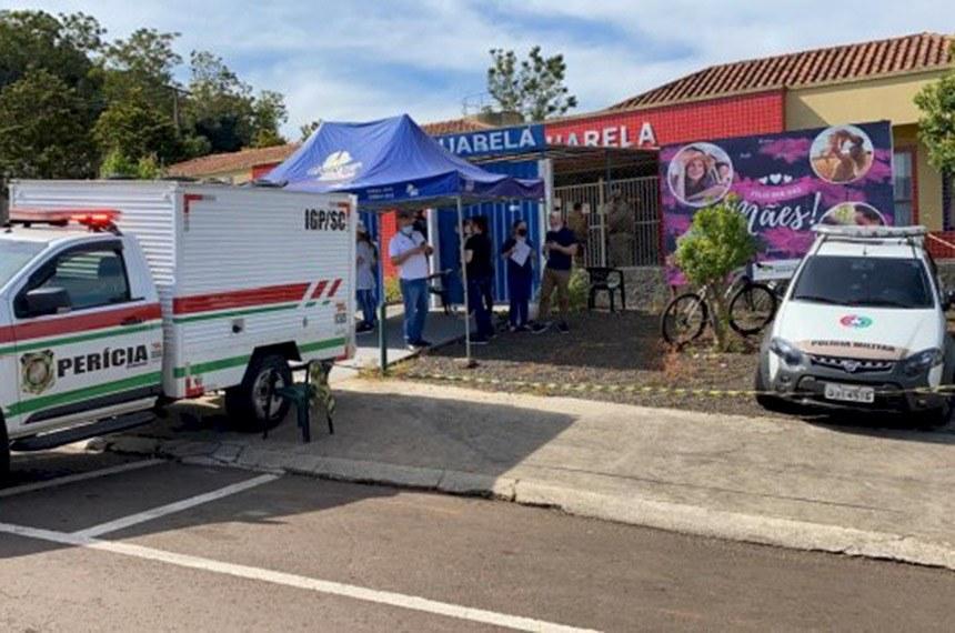 Ataque deixou cinco vítimas — sendo três crianças — em escola no município de Saudades (SC)