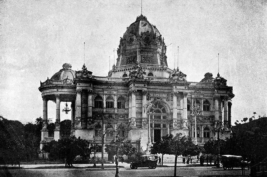 Palácio Monroe, antigo Senado Federal.