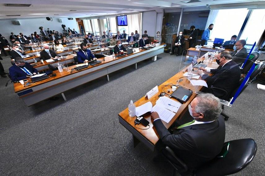 Requerimento para convocação de representante da Pfizer foi apresentado pelo presidente da CPI, Omar Aziz