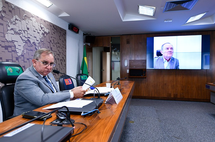 Comissão Senado do Futuro (CSF) realiza audiência pública interativa para debater o tema Governo Digital, com a participação de representantes do Serviço Federal de Processamento de Dados (Serpro), do Departamento de Informática do SUS (DataSus) e de associações de empresas de tecnologia de informação.  Em pronunciamento via videoconferência, senador Zequinha Marinho (PSC-PA).  À mesa, presidente da CSF, senador Izalci Lucas (PSDB-DF), conduz audiência.  Foto: Edilson Rodrigues/Agência Senado