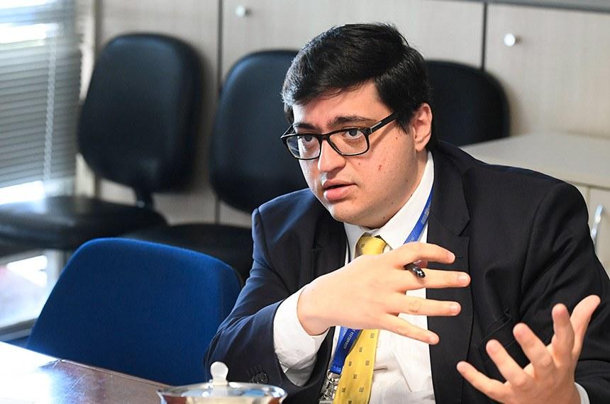 Relatório avalia que, apesar da evolução ainda preocupante da covid-19, o crescimento da economia no primeiro trimestre veio acima do esperado. Foto: Felipe Salto, diretor-executivo da IFI