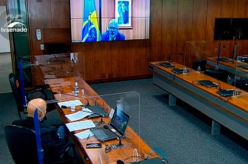 Ministro da Educação, Milton Ribeiro (na tela), defendeu em audiência remota da Comissão Temporária da Covid-19 o retorno das aulas presenciais