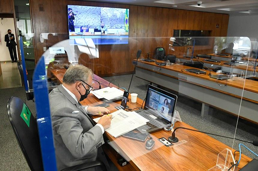 """Comissão Senado do Futuro (CSF) realiza audiência publica para debater o tema """"Educação profissional no Brasil"""".  À mesa, presidente da CSF, senador Izalci Lucas (PSDB-DF), conduz audiência.   Foto: Jefferson Rudy/Agência Senado"""