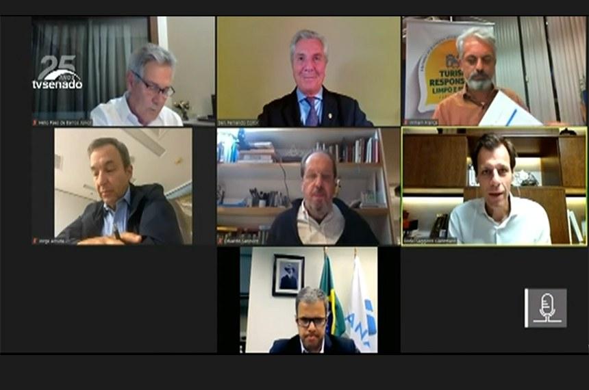 Presidida pelo senador Fernando Collor (Pros-AL), a Comissão de Desenvolvimento Regional realiza ciclo de debates