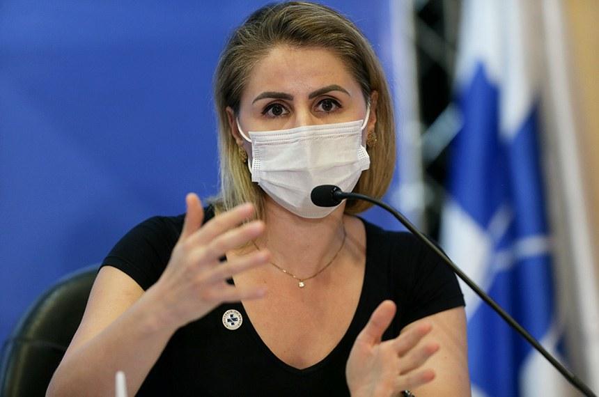 A coordenadora do Programa Nacional de Imunizações (PNI), Francieli Fontana, durante coletiva sobre as novas diretrizes da campanha nacional de vacinação contra a Covid-19.