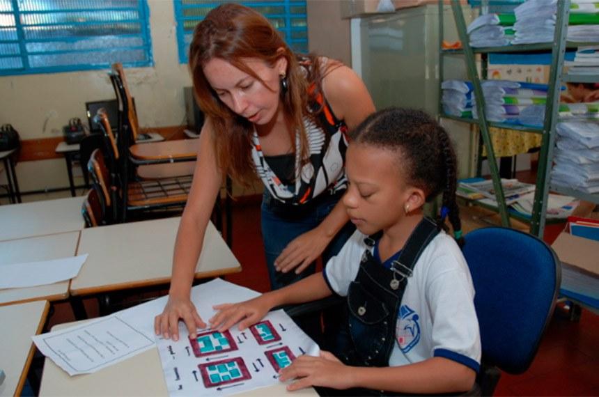 Alunos com deficiência visual é tema de curso para professores