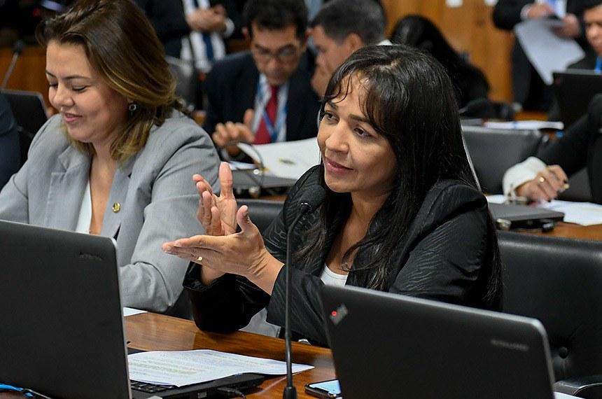 Eliziane Gama comemora filiação de Leila Barros ao Cidadania