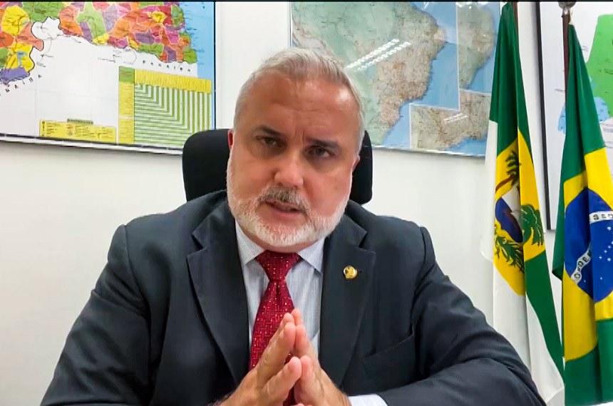 Jean Paul Prates condenou a privatização dos Correios e a venda de ativos da Petrobras na empresa Gaspetro.