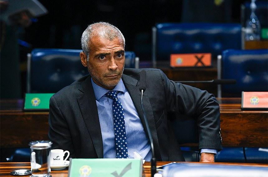 Relator da matéria, Romário disse que a resolução revogada é inconstitucional e viola direitos adquiridos de empregados