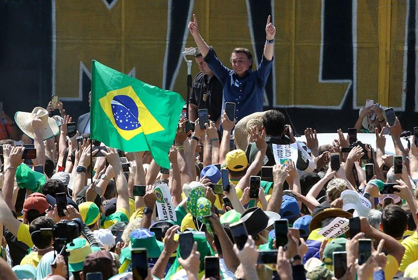 Presidente Jair Bolsonaro discursou nas manifestações em seu apoio na Esplanada dos Ministérios e na Avenida Paulista,  em São Paulo