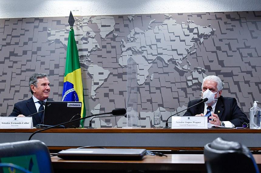 Fernando Collor (presidente da CDR) e Jaques Wagner durante a audiência