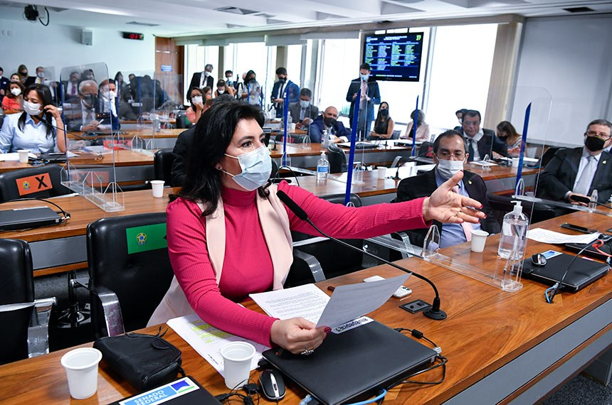 A senadora Simone Tebet (MDB-MS) defende a aprovação apenas dos pontos consensuais da reforma eleitoral