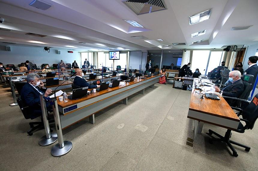 Texto, que teve como relator o senador Nelsinho Trad (PSD-MS), ainda será analisado por três outras comissões