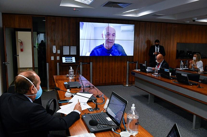 O projeto foi relatado na Comissão de Educação pelo senador Confúcio Moura (MDB-RO)
