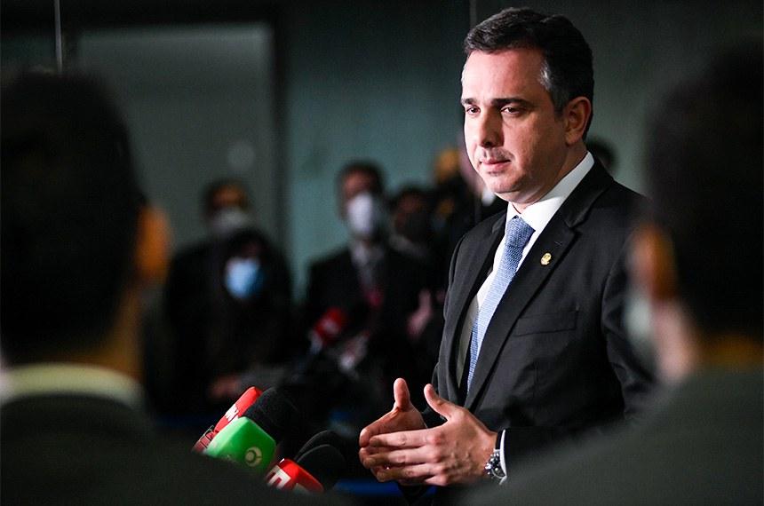 Em entrevista coletiva, o presidente do Senado Federal, Rodrigo Pacheco (DEM-MG), falou sobre as votações em plenário na sessão desta quarta-feira (29)