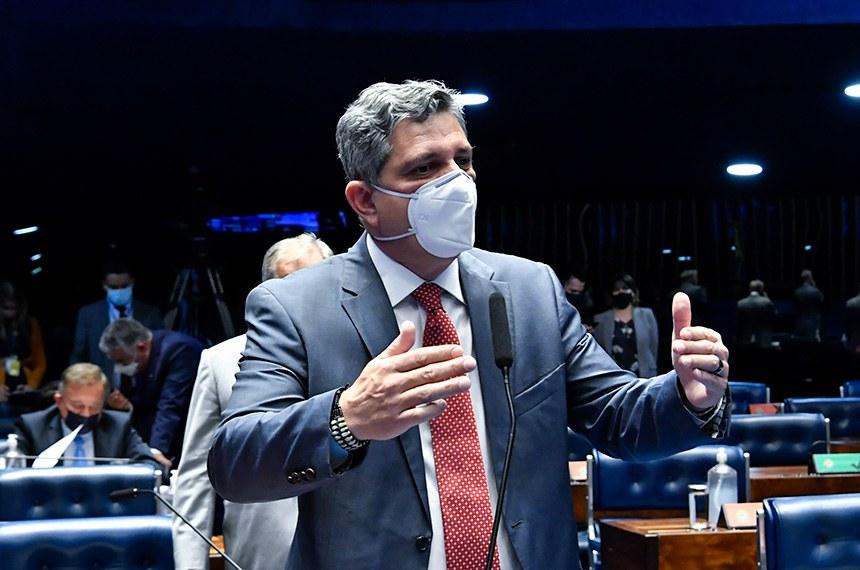 """Rogério Carvalho defendeu a proposta: """"Não é razoável expor pessoas honestas. Esse projeto define claramente o que pode ser caracterizado como improbidade"""""""