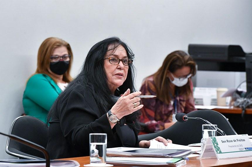 A presidente da Comissão Mista de Orçamento, senadora Rose de Freitas (MDB-ES), cobrou a manutenção de leitos de UTI abertos durante a pandêmia para atender a demanda de cirurgias eletivas e outras urgências