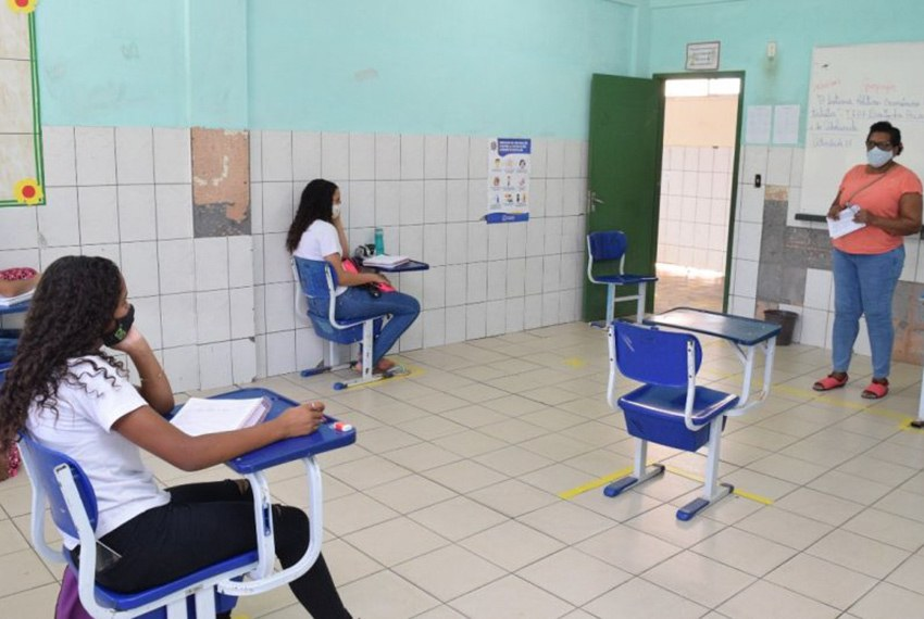 Volta às aulas na rede pública de Cachoeiro do Itapemirim (ES): crise sanitária causou perda no aprendizado e acentuou desigualdades