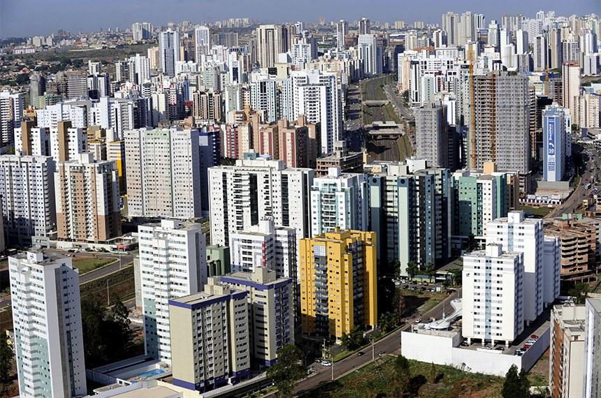 Vista aérea da cidade de Águas Claras, Brasília, DF.