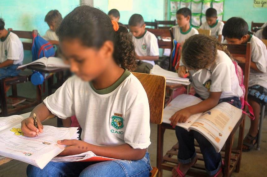 Centro de Atenção Integral à Criança e ao Adolescente Maria Felício Lopes, de Fortaleza (CE), é uma escolas públicas do Ceará integrantes do Programa Alfabetização na Idade Certa, do governo estadual.