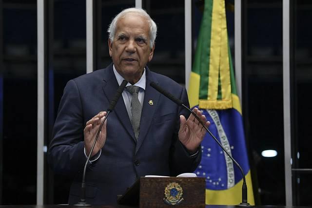 Plenário do Senado Federal durante sessão deliberativa ordinária. \r\rEm discurso, à tribuna, senador Oriovisto Guimarães (Podemos-PR).\r\rFoto: Jefferson Rudy/Agência Senado