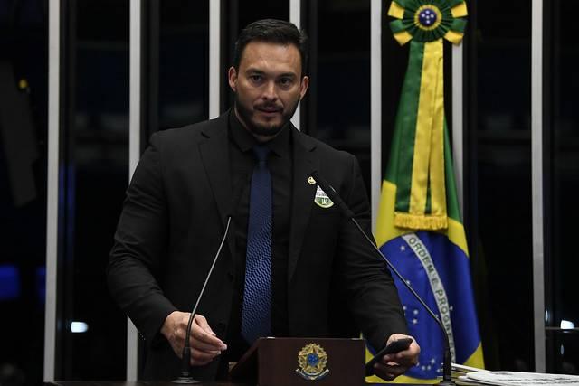 Plenário do Senado Federal durante sessão não deliberativa. \r\rEm discurso, à tribuna, senador Styvenson Valentim (Podemos-RN).\r\rFoto: Jefferson Rudy/Agência Senado