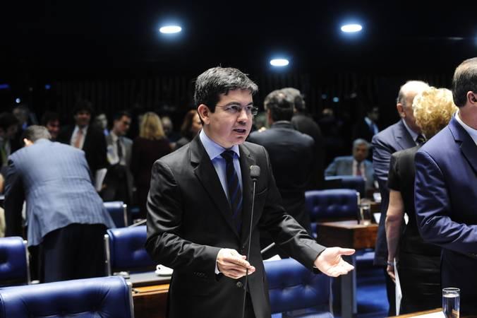 Plenário do Senado durante sessão deliberativa ordinária.  Em pronunciamento,  senador Randolfe Rodrigues (Rede-AP).  Foto: Jonas Pereira/Agência Senado