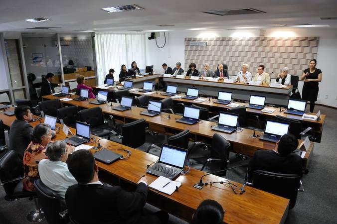 Image result for estudantes academicos