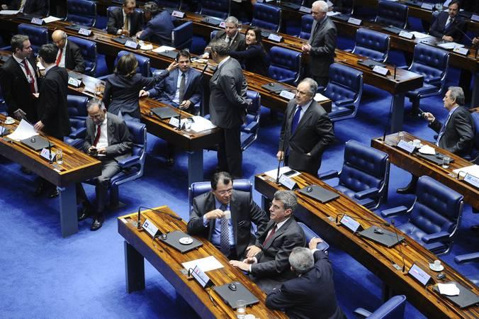 Plenário do Senado Federal durante sessão deliberativa ordinária. Ordem do dia.  Em pronunciamento, senador Cristovam Buarque (PPS-DF).   Foto: Marcos Oliveira/Agência Senado