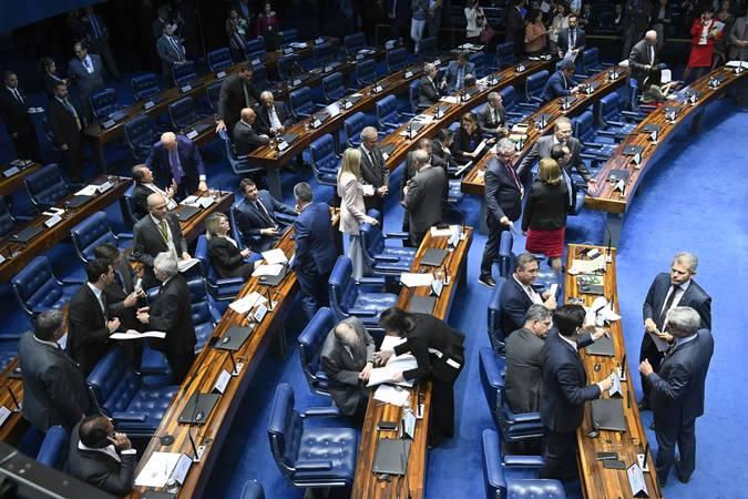 Plenário do Senado Federal durante sessão deliberativa ordinária. Ordem do dia.  Participam: senador Randolfe Rodrigues (Rede-AP); senador Rogério Carvalho Santos (PT-SE); senador Lucas Barreto (PSD-AP);  senador Angelo Coronel (PSD-BA);  senador Humberto Costa (PT-PE);  senador Jorge Kajuru (Patriota-GO);  senador Renan Calheiros (MDB-AL);  senadora Zenaide Maia (Pros-RN);  senador Tasso Jereissati (PSDB-CE);  senadora Simone Tebet (MDB-MS);  senadora Daniella Ribeiro (PP-PB);  senador Reguffe (sem partido-DF);  senador Eduardo Girão (Podemos-CE); senadora Juíza Selma (PSL-MT).  Foto: Roque de Sá/Agência Senado