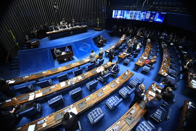 Plenário do Senado Federal durante sessão deliberativa ordinária. Ordem do dia.  Presidente do Senado Federal, senador Davi Alcolumbre (DEM-AP) à mesa conduz sessão.   Foto: Marcos Oliveira/Agência Senado