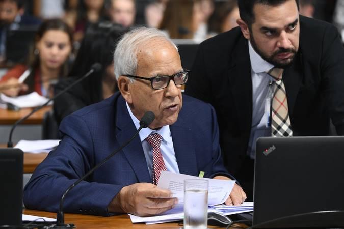 Comissão de Constituição, Justiça e Cidadania (CCJ). Em pronunciamento, à bancada, senador Oriovisto Guimarães (Podemos-PR).\r\rFoto: Marcos Oliveira/Agência Senado